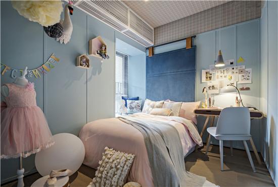跟公共空间相类似的色彩手法,粉+蓝的基调处理告别过分的性冷淡,是对北欧风格极好的处理手法。
