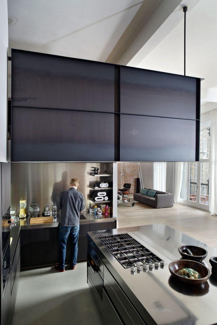 现代质感全部透明厨房。