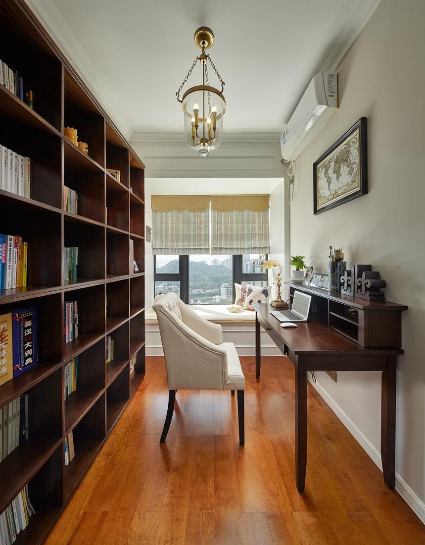 复古吊灯的呈现,带来更多柔润的元素,轻盈放松。