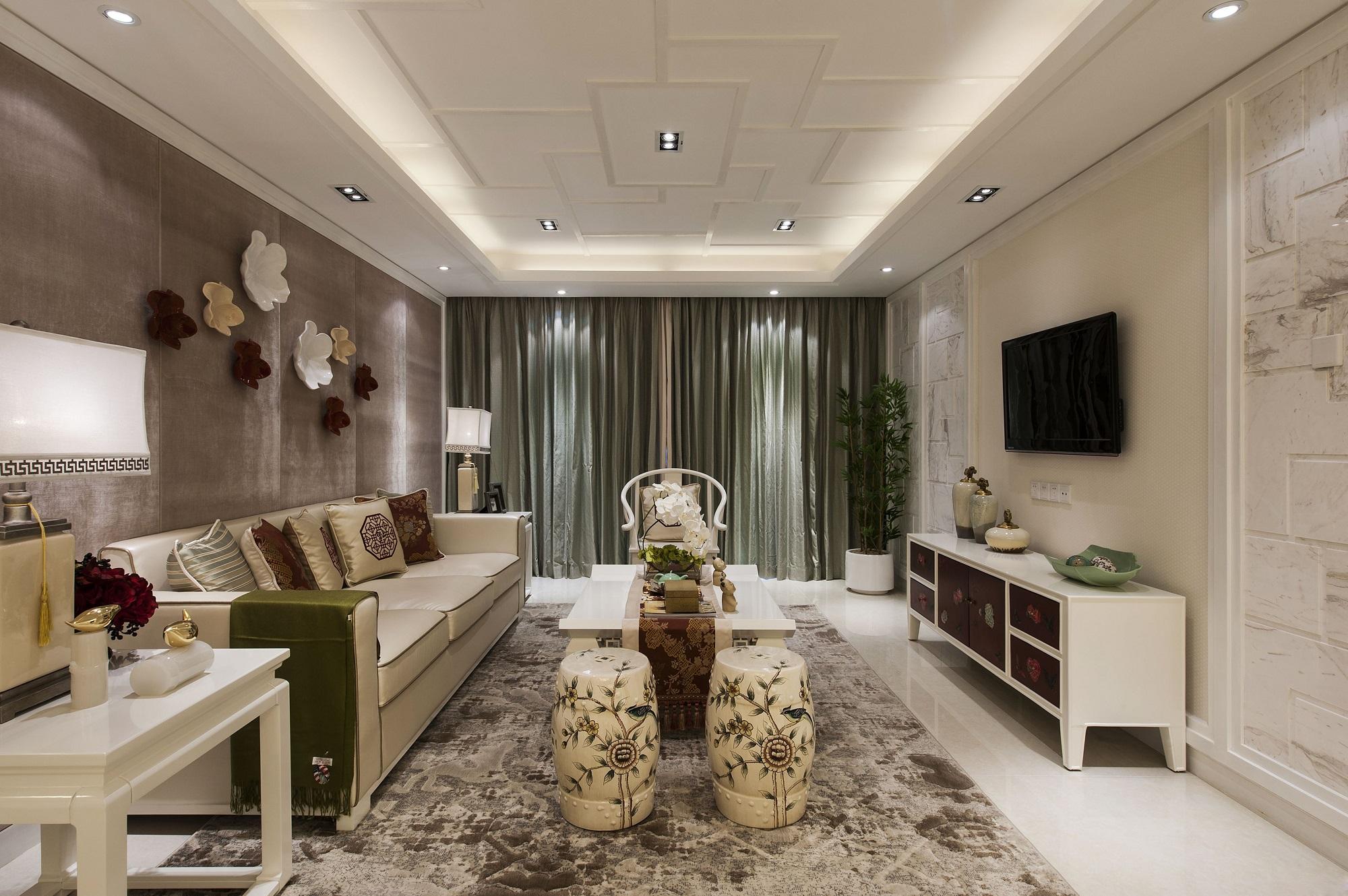 在家具形态上更加简洁清秀,又打破了传统中式空间布局中等级文化思想,空间配色上也更加轻松自然。