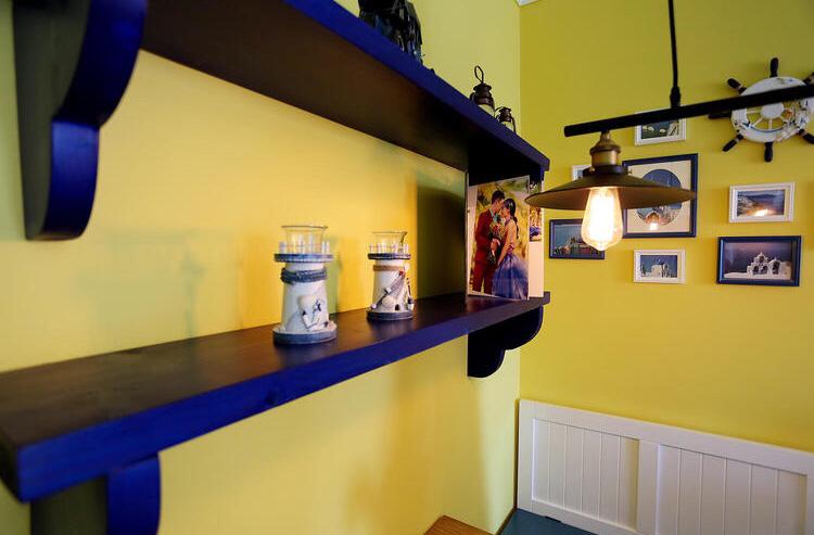 蓝色和黄色格子柜几好看有做了充足的收纳
