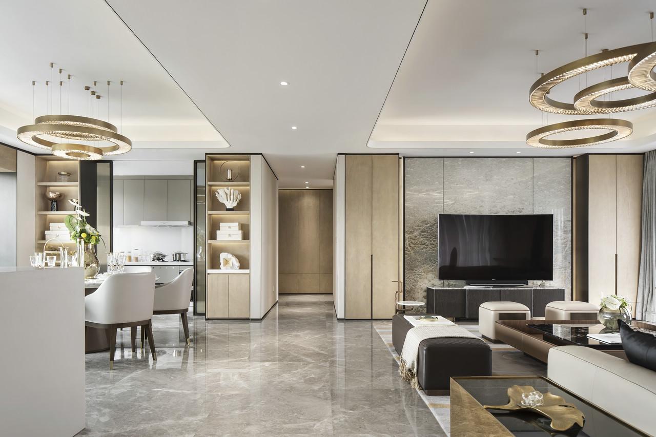 整体设计追求空间平衡,澄净清雅的大理石、极具简练线条感的软装搭配,结合光影意境做到明暗有度。