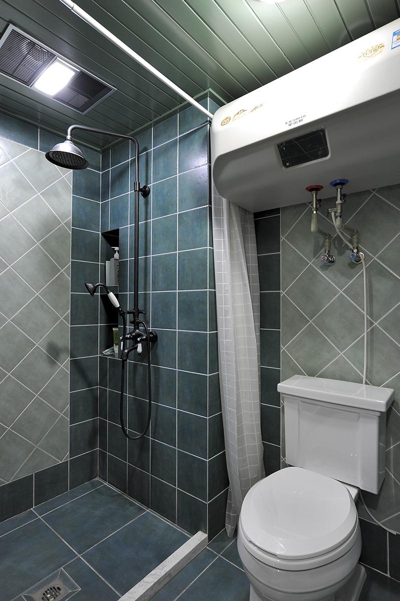 把淋浴间和其他区域相分隔,淋浴的水不会四处飞溅,令淋浴以外的空间保持干燥