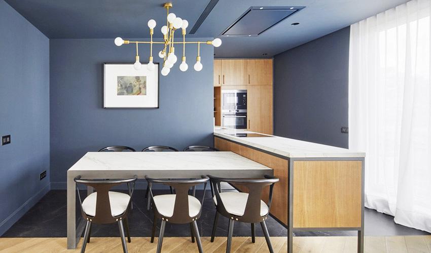 餐厅设计在家庭装修中变得越来越重要,能有一间设备完善、装饰考究的餐厅