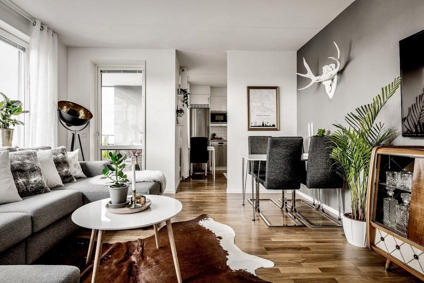 抬头看看墙面上的鹿头,有了这些就可以无疑定性他是北欧风格。