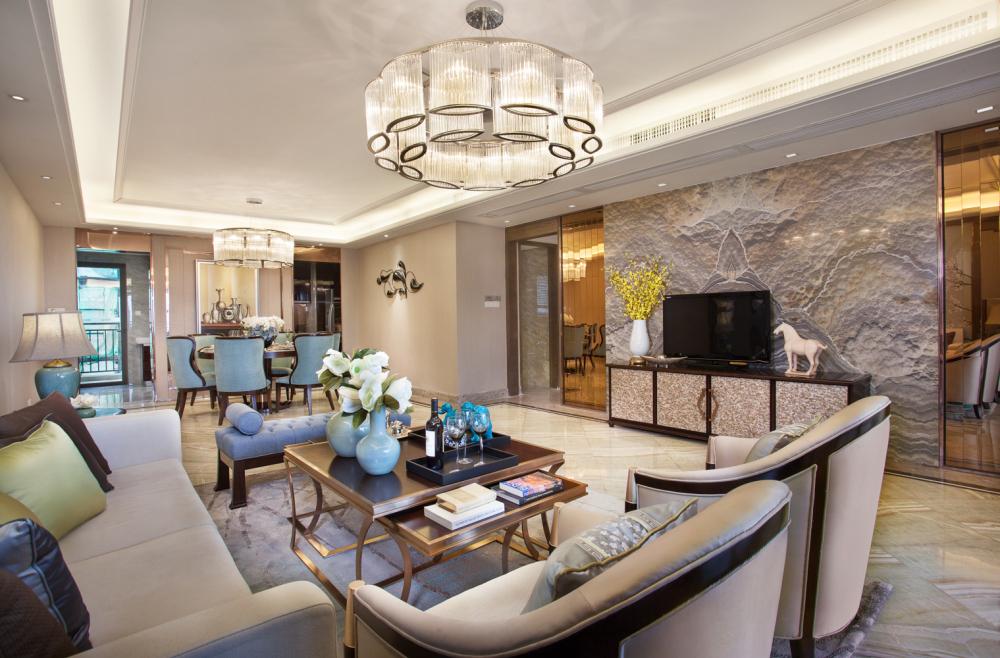 整个客厅华、营造出和谐温馨、华贵典雅的居室氛围
