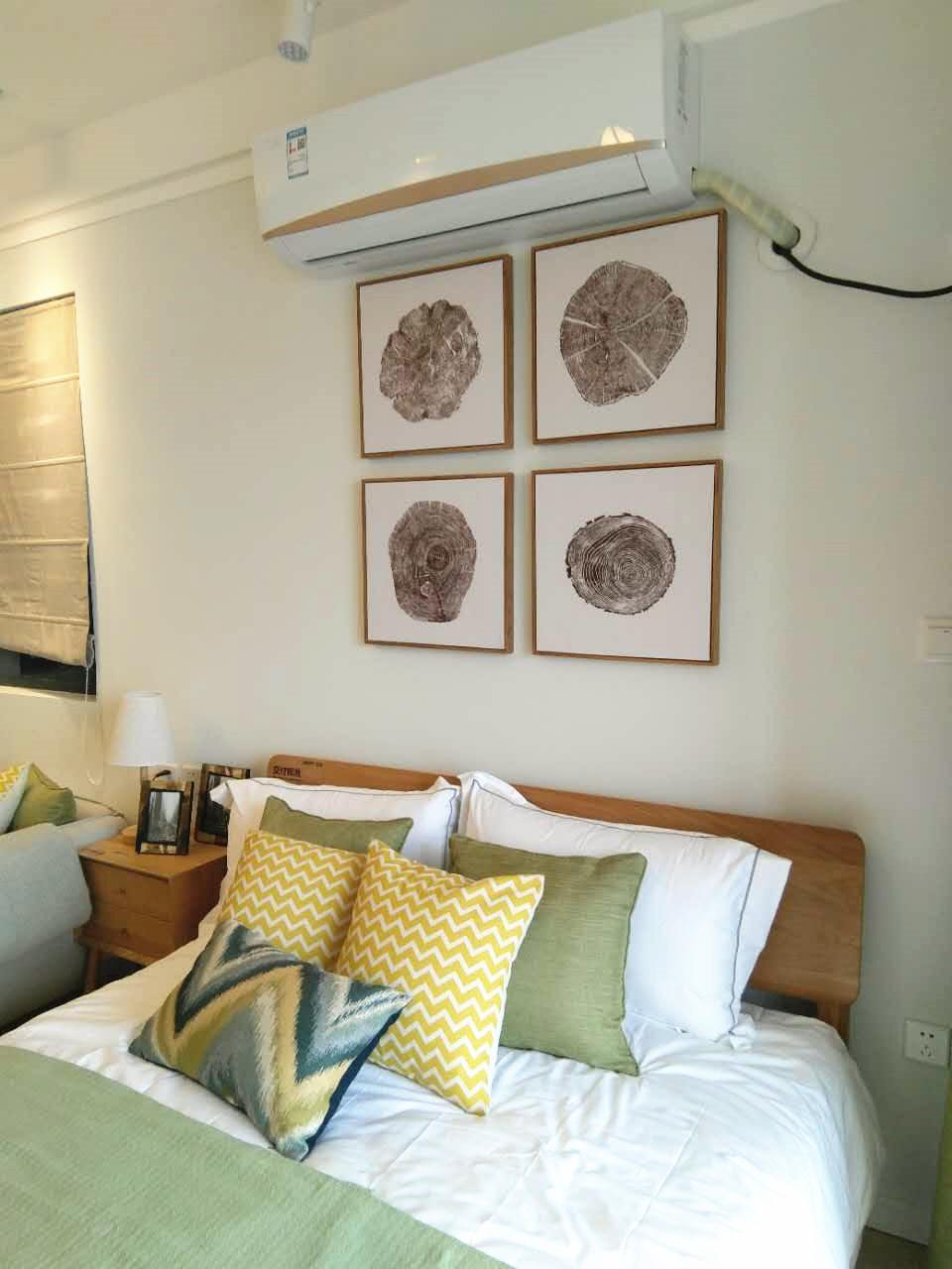 设计师借现代而随性的居家氛围表达了一种舒适自然的生活方式。