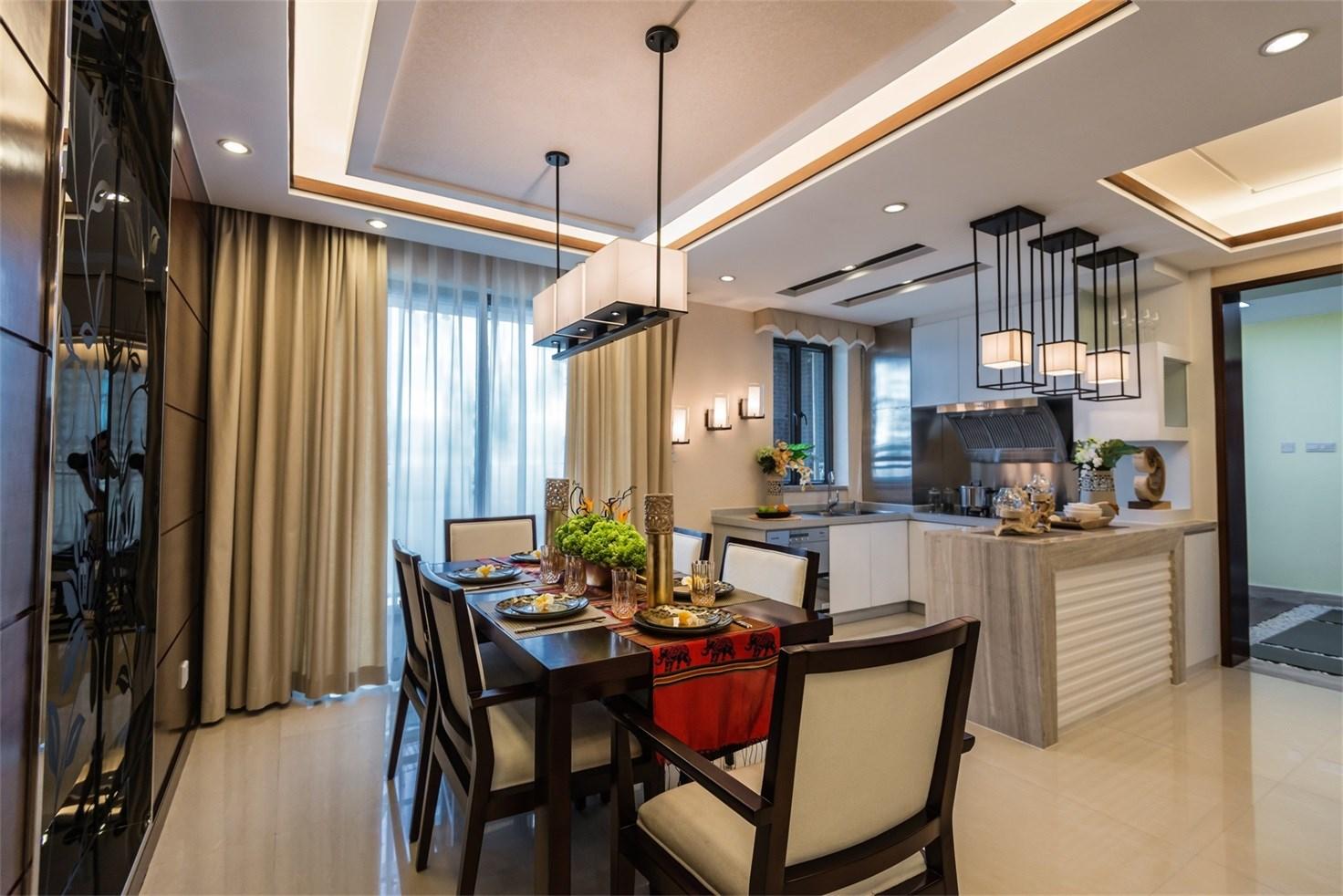 餐厅白色灯笼式的吊顶与主题也很相符,厨房和餐厅间隔看起来也很雅致,也充满了品质的气息