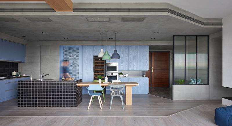 开放式厨房清爽洁净的舒适感,以北欧风设计的餐厅又为这里增添了温暖。