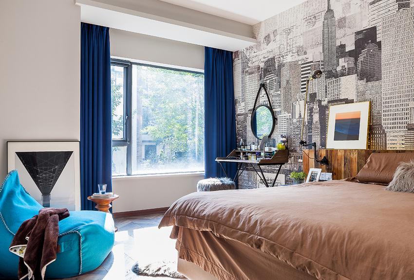 主卧并不如一般婚房那般设计,不见喜庆的氛围,处处都是创意。
