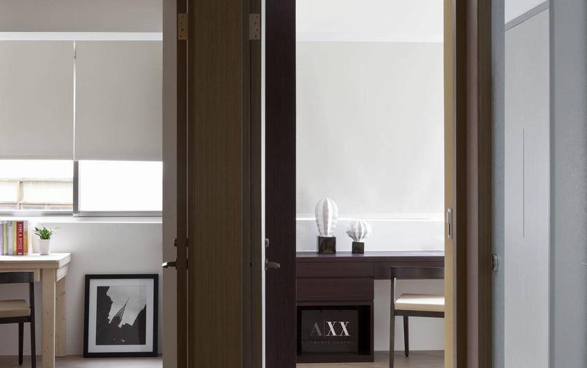 基础工程到格局皆重新规划的居宅空间,设计师维持着旧有区块划定。