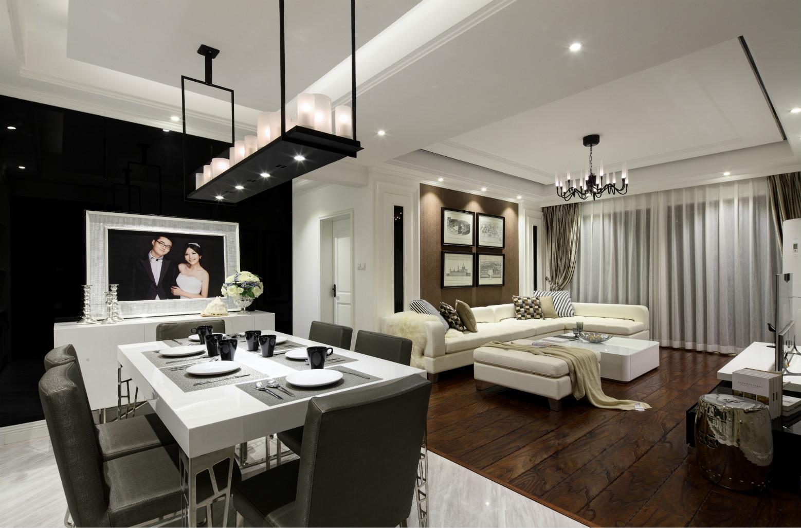 这个角度可以清楚的客厅,餐厅是开方式的,显得空间很大