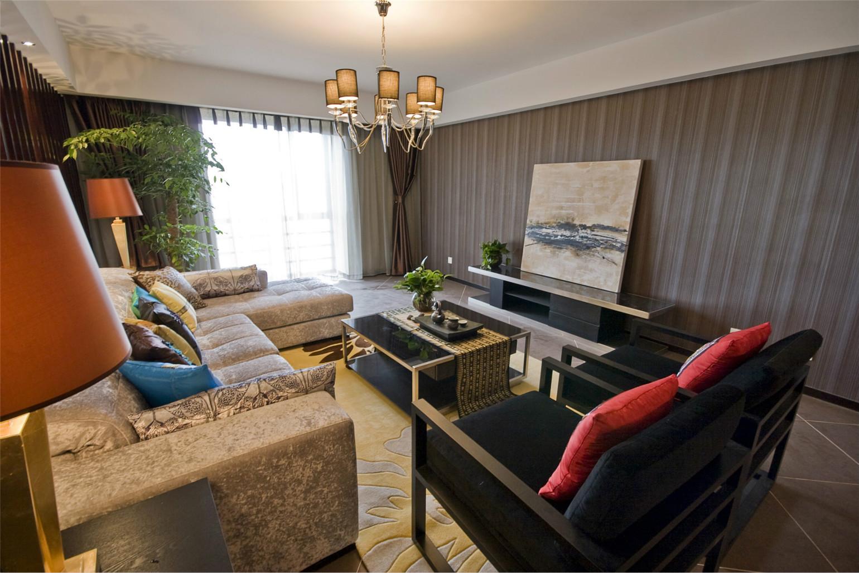客厅冷色调与金色点缀的搭配,高冷,大气