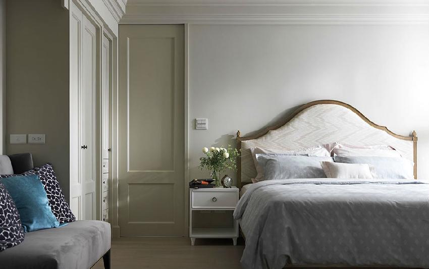 依照使用习惯重新分配空间比例,屋主夫妻下班后习惯长时间待在卧房。