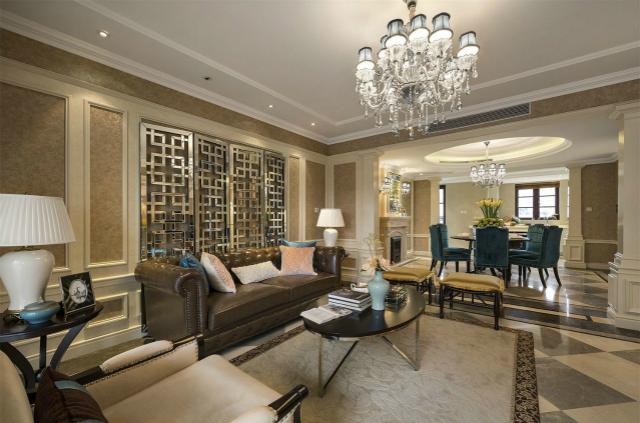 皮质家具和墙壁完美的细节处理等尽显古典至上的华丽,加入时尚元素和设计感,意大利成为了顶级奢华的象征。