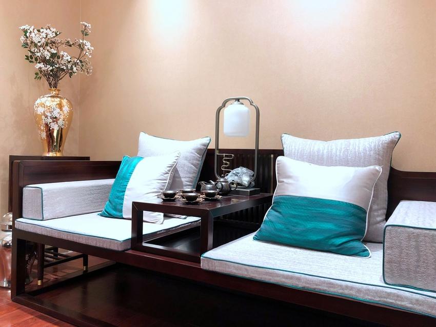 客厅开间更大的大平层空间,整个空间看起来非常的大气