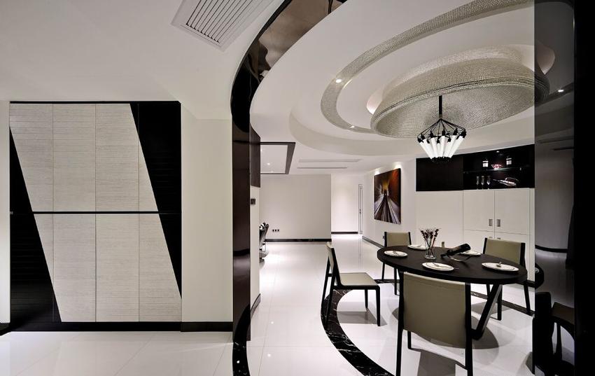 进门玄关辟出独立空间,除了具备基本的收纳、换衣功能,玄关也是一个极佳的观景区。