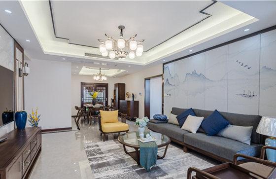 客厅简洁地线条格外规整,从沙发背景的墨意,到浅蓝色窗帘的田园设计,整个空间十分轻盈;