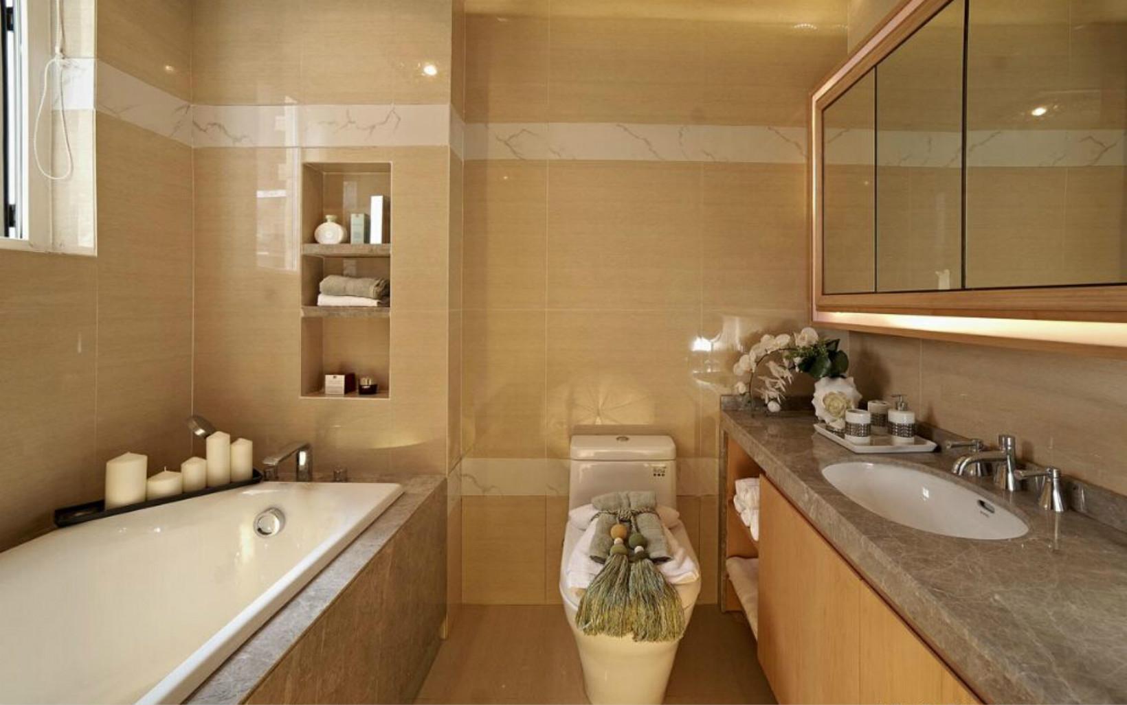 卫生间的装修是干湿分离的,很是简洁实用的想法。