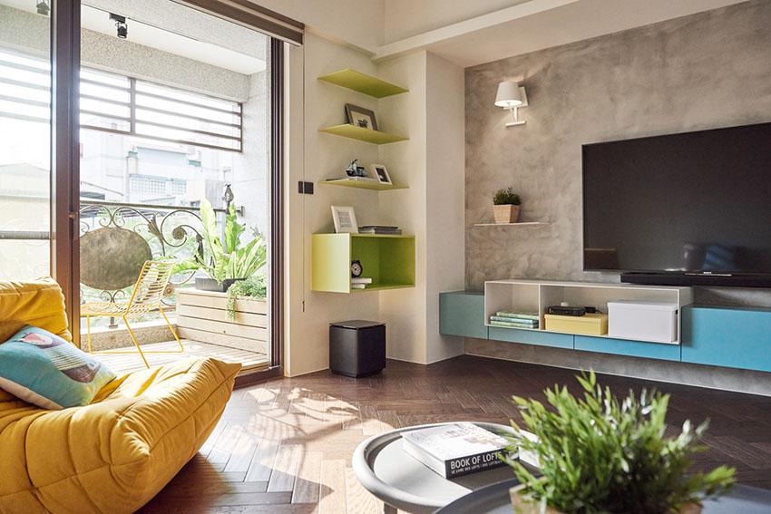 设计师巧妙运用绿植、军蓝门片和内凹彩度壁面,无一不是点亮空间的巧思。