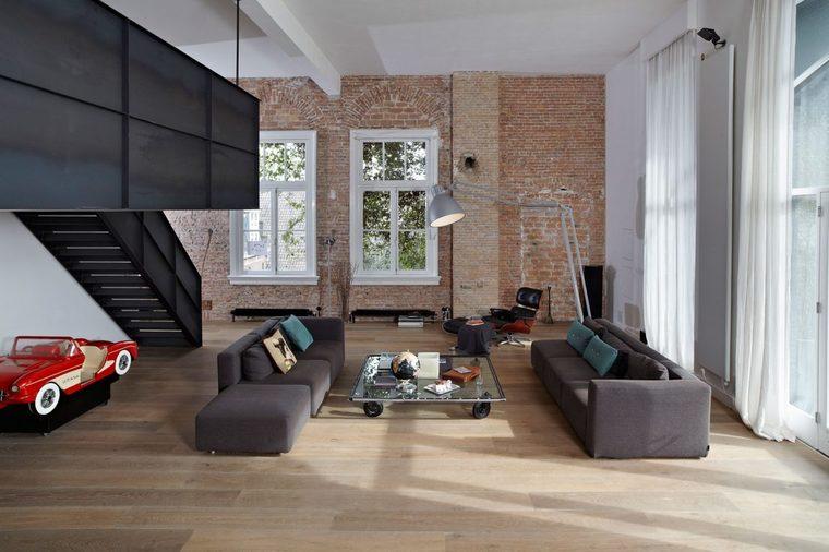 现代简约的整体风格搭复古硬朗的红砖,鲜明的对比带来超然的格调。