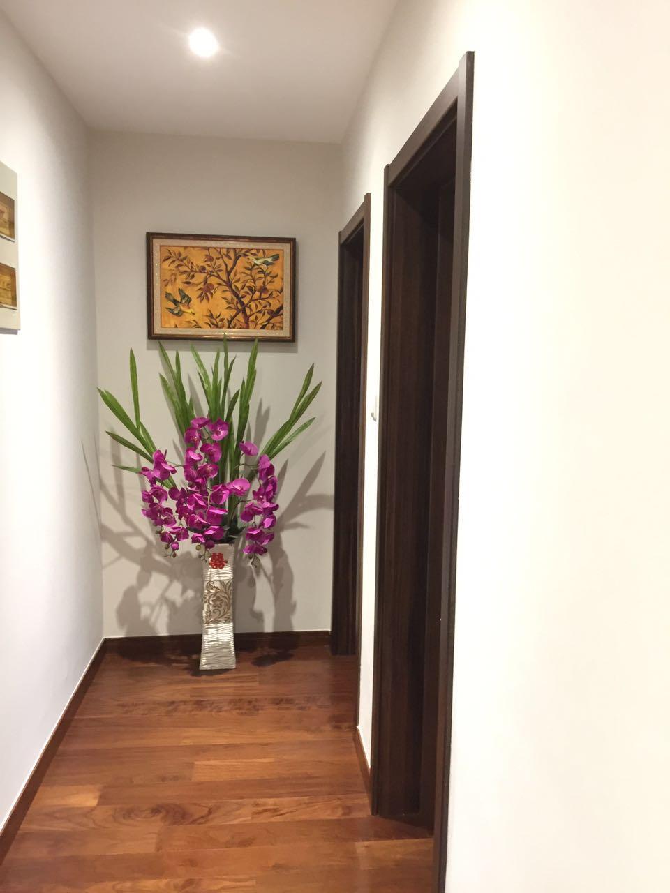 走廊处放置盆栽,让空间瞬间鲜活起来