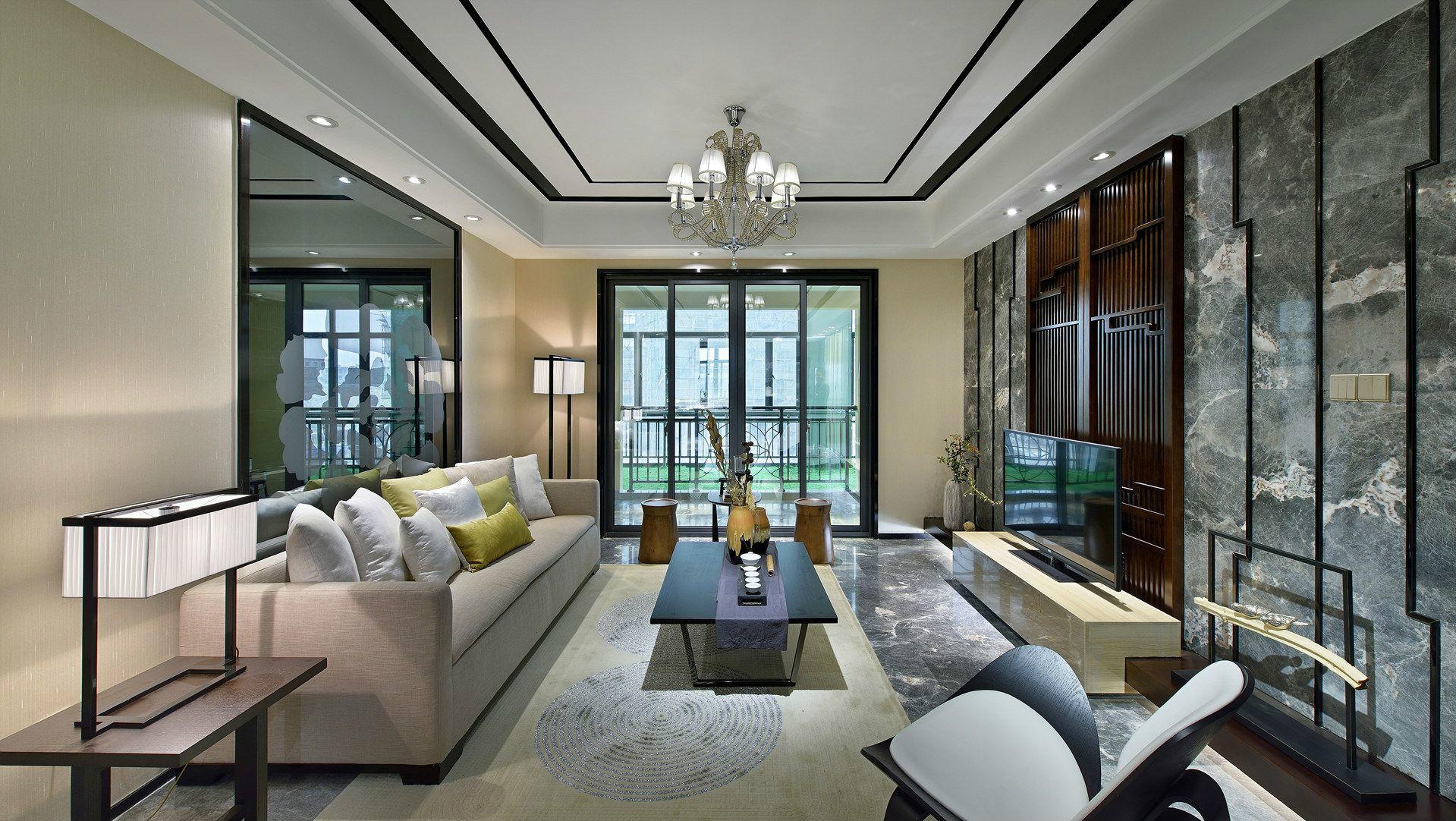 客厅浅灰色布艺沙发及椅子的搭配,舒适感十足,还带有一丝文艺的范。