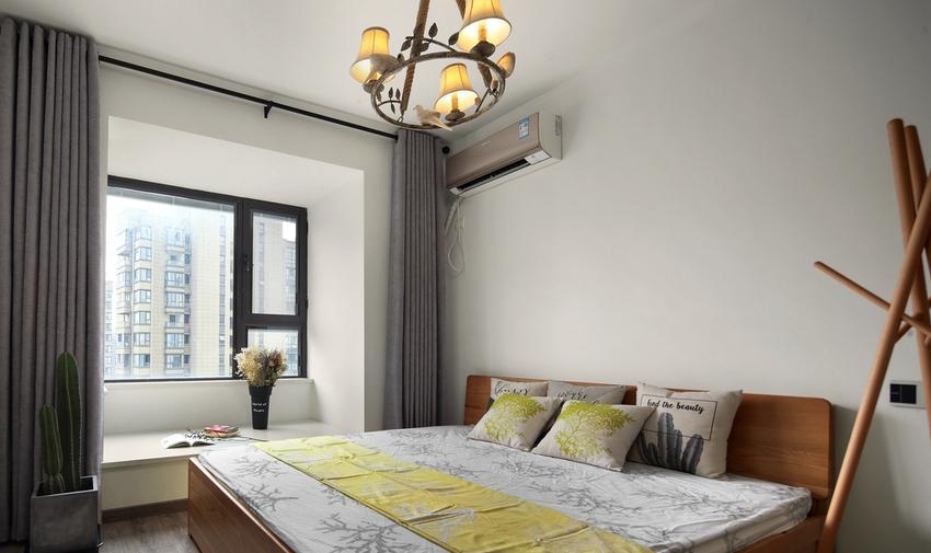 卧室,少了一些工业风的冰冷和硬朗,多了一份北欧风的简约和人性设计,让睡眠更加自然放松。