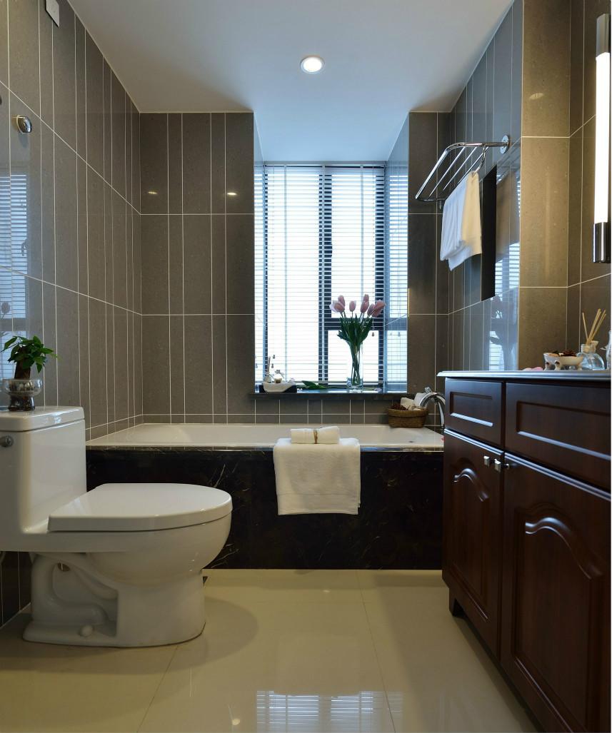 卫生间做了干湿分离设计,洗手台放门外。