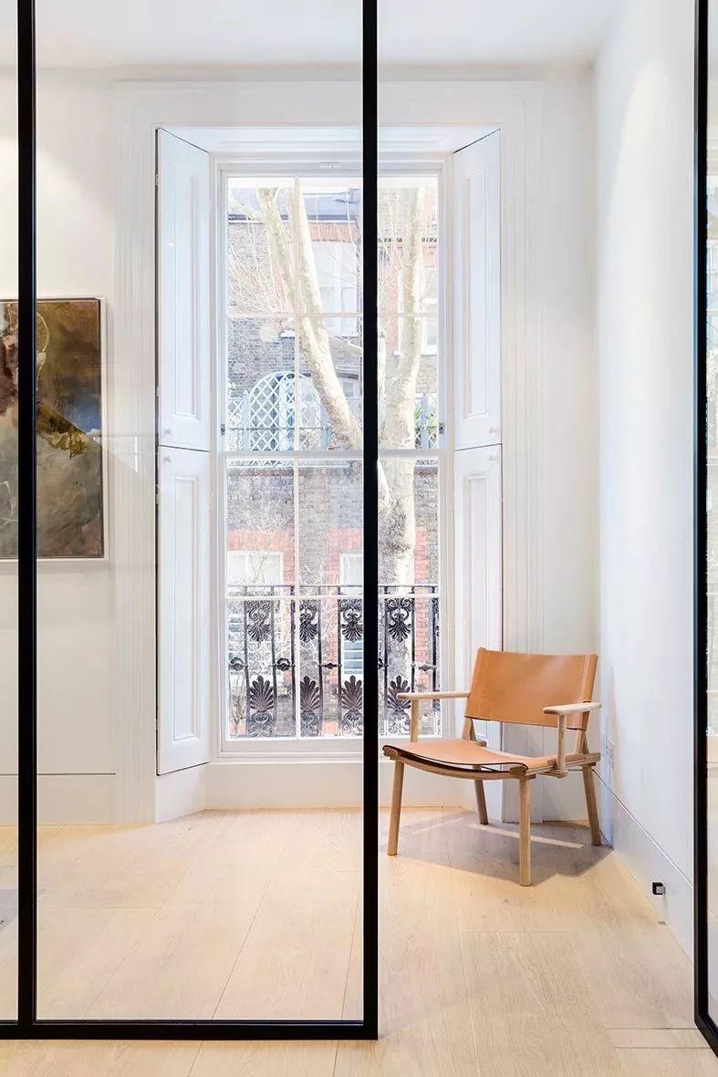 台都是业主比较关注的一个空间,它是家与外界相连的区域