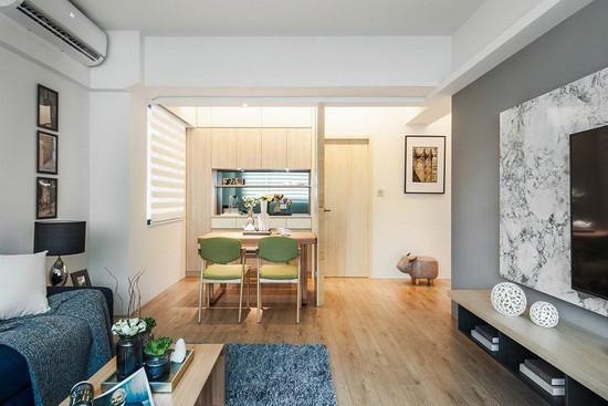 在干净基底中融入温润木色,营造出温暖舒适的居家氛围。