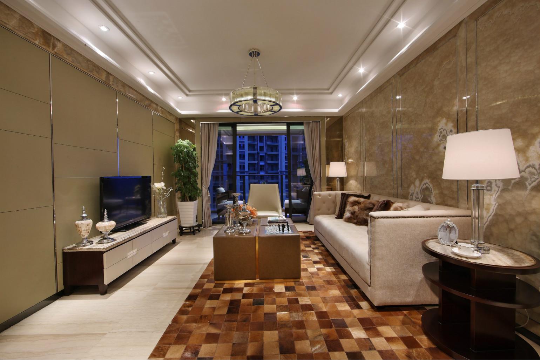 客厅干净大方的背景墙很上档次,白色玻璃吊灯很美,淡黄色板砖电视背景墙衬托得客厅很亮堂,有种儒雅感。
