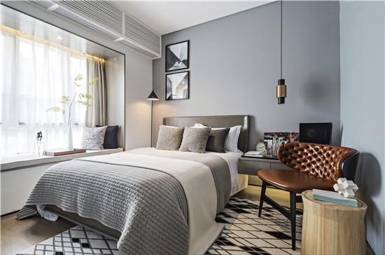 主卧室运用高彩度的色彩,同色系的产品配色和陈列,对比色的配色和陈列,这种方式都能给人舒服温馨的感觉。