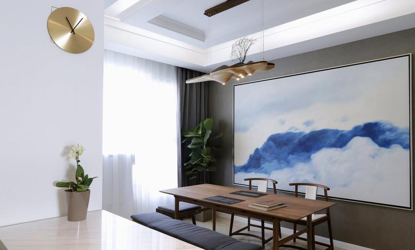 巨幅云端油画也是量身定制,有了一种每天可以在云端用餐的享受。