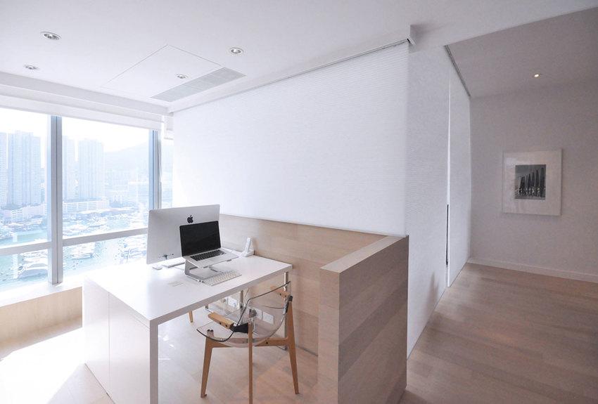 利用几平米照样可以打造出安安静静的工作区。