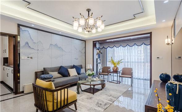 新中式家具以新的造型出现在空间,与藏蓝色陶罐和灰色砖石铺就的背景墙呼应出新中式美感。