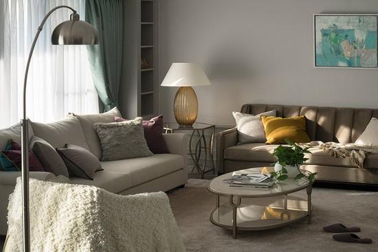 整体以灰阶色串联空间表情,局部透过跳色家具软件,妆点活泼不失优雅的场域气息。