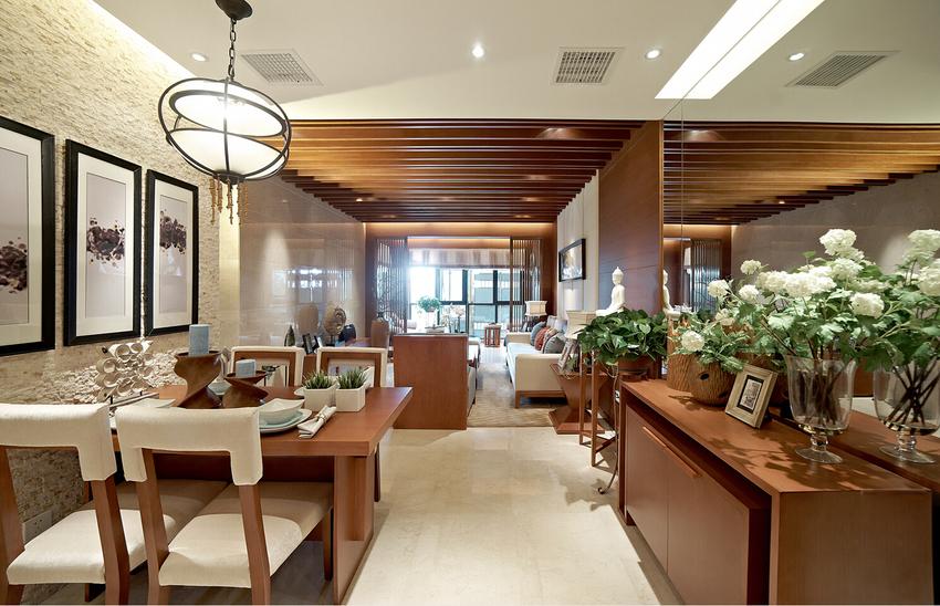 餐厅一面采用白色裸露墙面,风格独特,另一边整块镜子,视觉得到了延展。