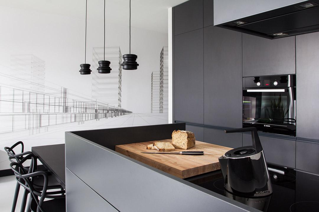厨房拥有足够的收纳空间,满足日常必需品的取用