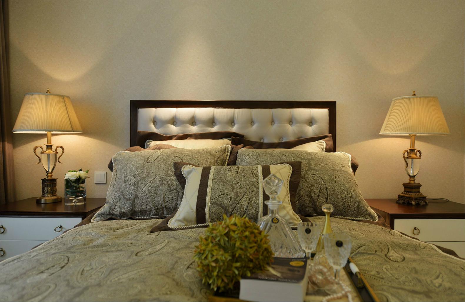 次卧空间选用能让人感觉安静温婉营造出一种娴静幽雅的舒适之感