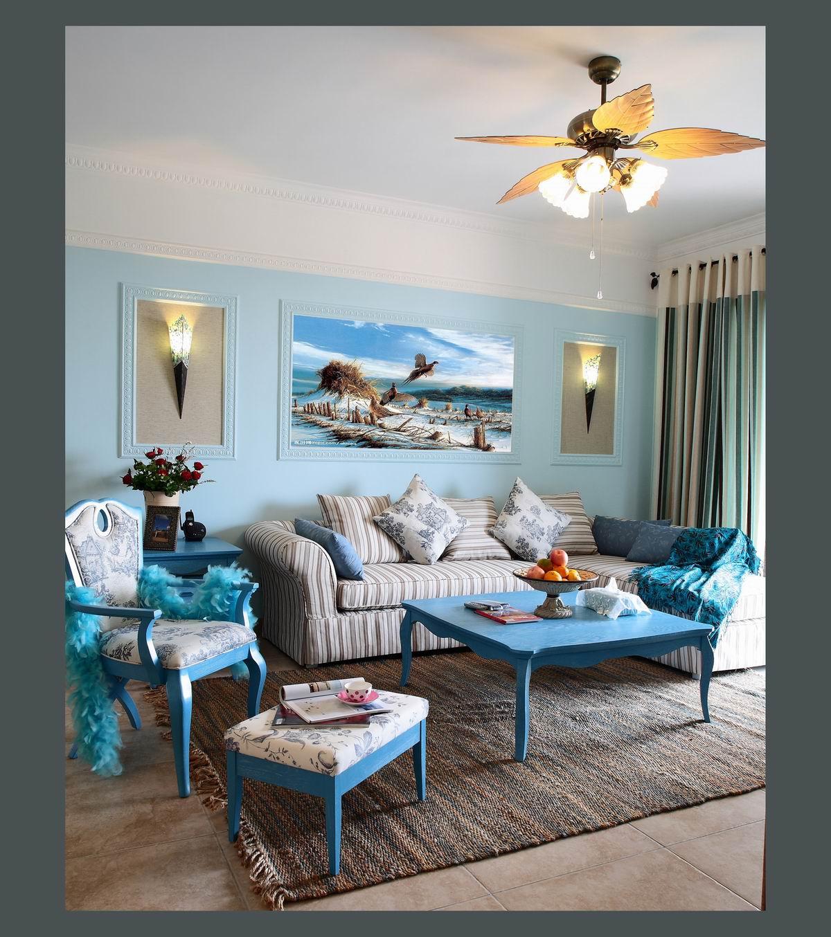房子给人的第一感觉就是明亮,爽朗,墨绿色的墙壁以及窗帘,带来盎然生机,而且眼睛很舒服。