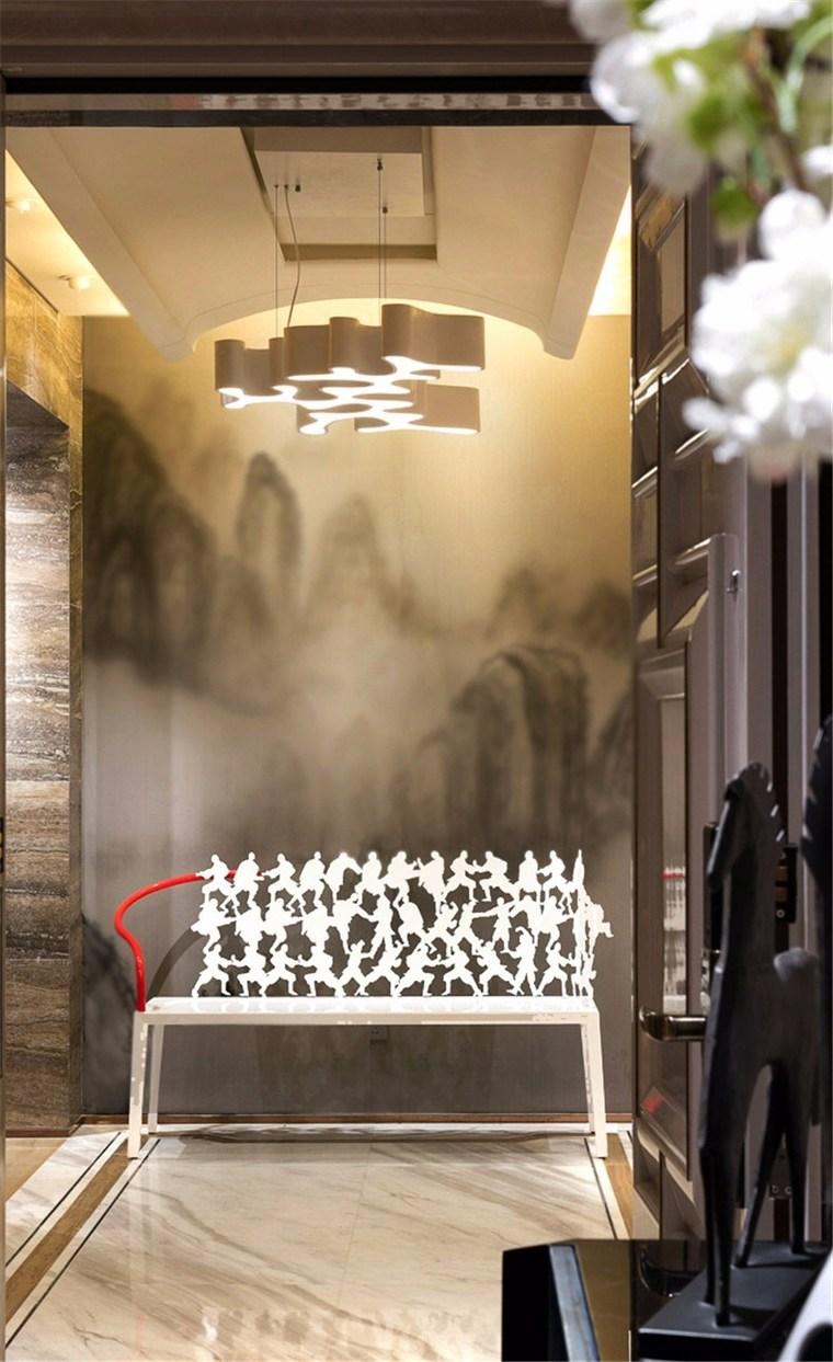 来自全球最顶尖的现代家具叠架起生活空间的舒适轮廓,用丰沛而悠远的中国文化倾注优雅空灵的魂魄。