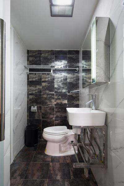 空间得到最合理的利用,墙和地的瓷砖选用深色花纹,更加耐脏。