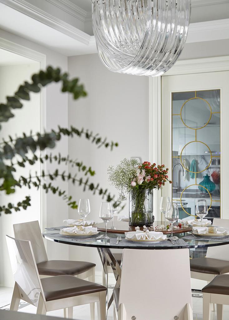 """每每提到相聚,谁能不想起父母""""家的味道"""",餐厨空间成为家庭生活的具象化表现。"""