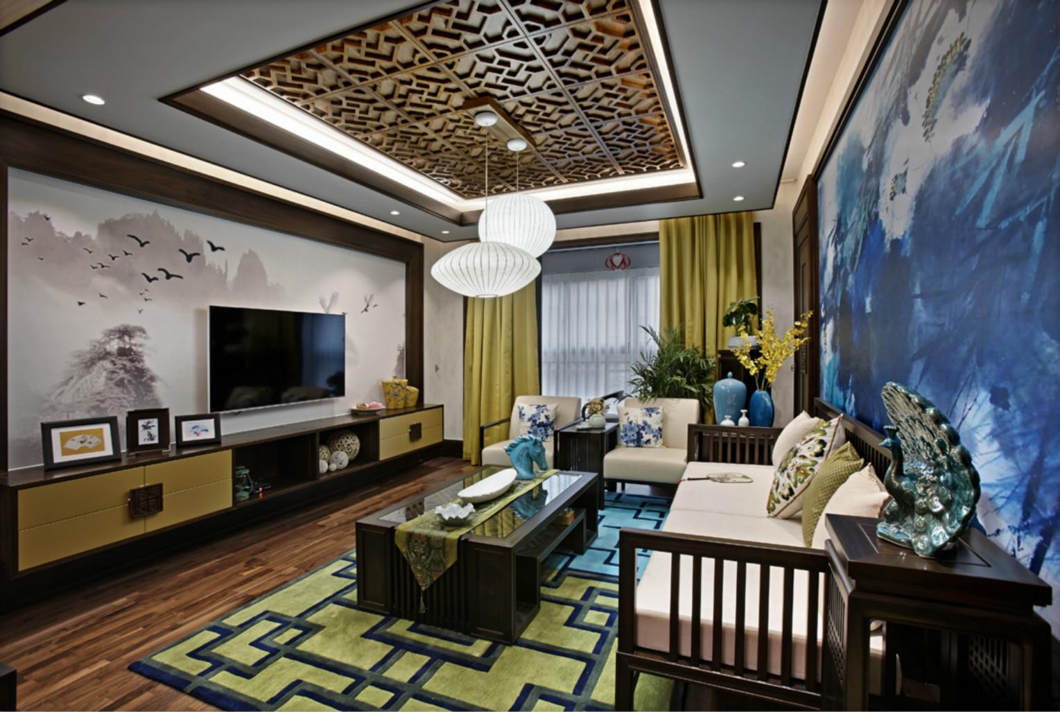 客厅的布局井井有条,沙发、摆放错落有致,将偌大的客厅打造得紧凑好看。