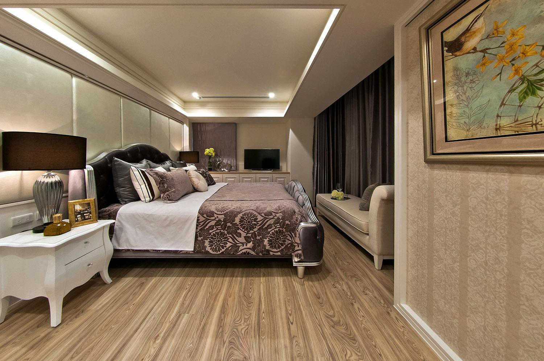 入眼给人的感觉如浴清风一般,配合木地板直接上墙的设计打造出森林感的本真自然,在这里入眠可以说是很简单