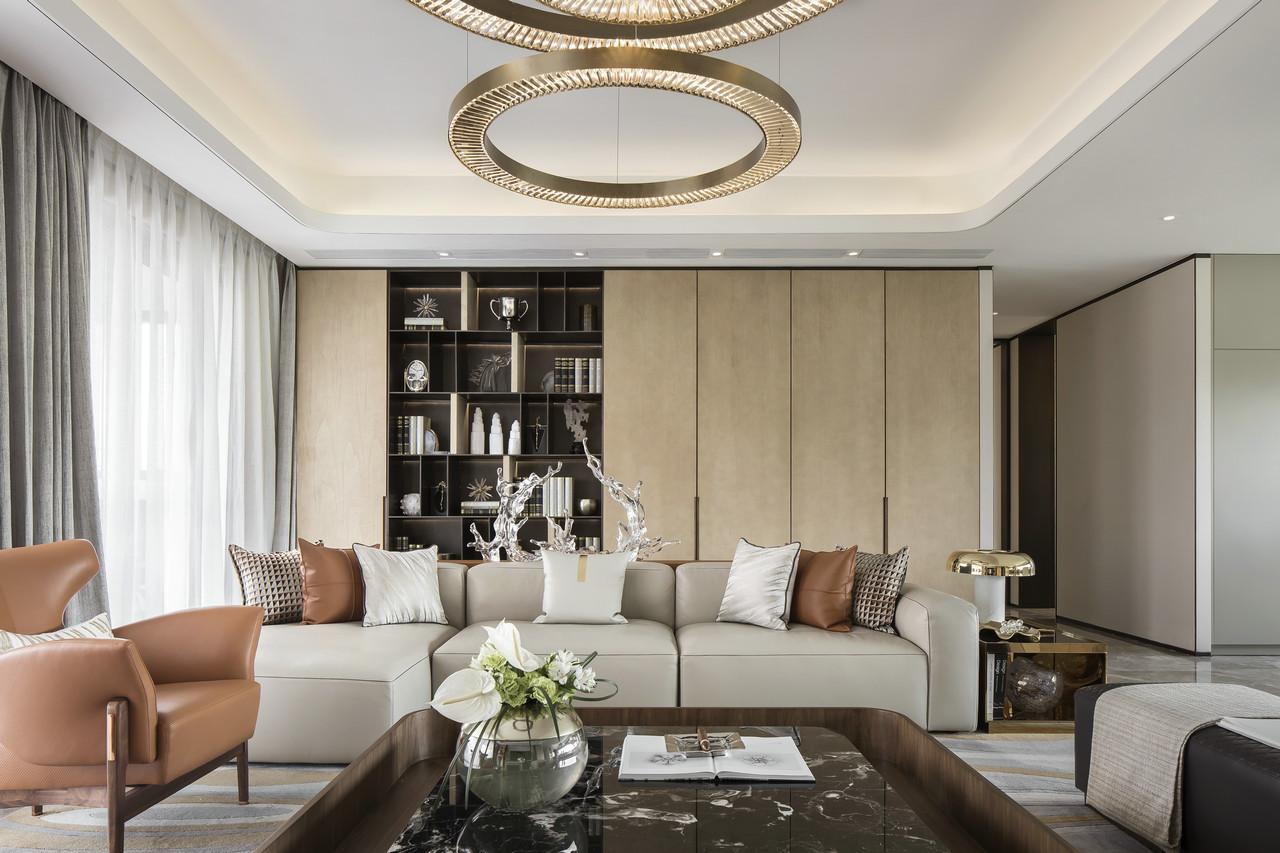 沙发背景墙既可作为书架又可以收纳摆件,储物功能强大不说,非常出彩有特点。