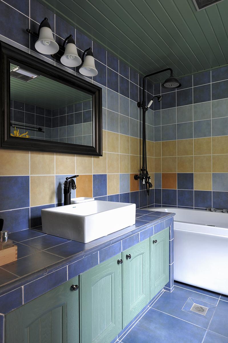 卫生间的光线。无论是普通的房子装修还是别墅装修,房子的采光是不能忽视的