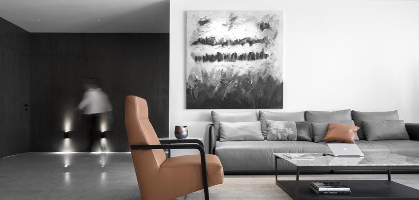 以黑白灰的极简与纯粹,为自建屋添上一道遗世独立的风景。