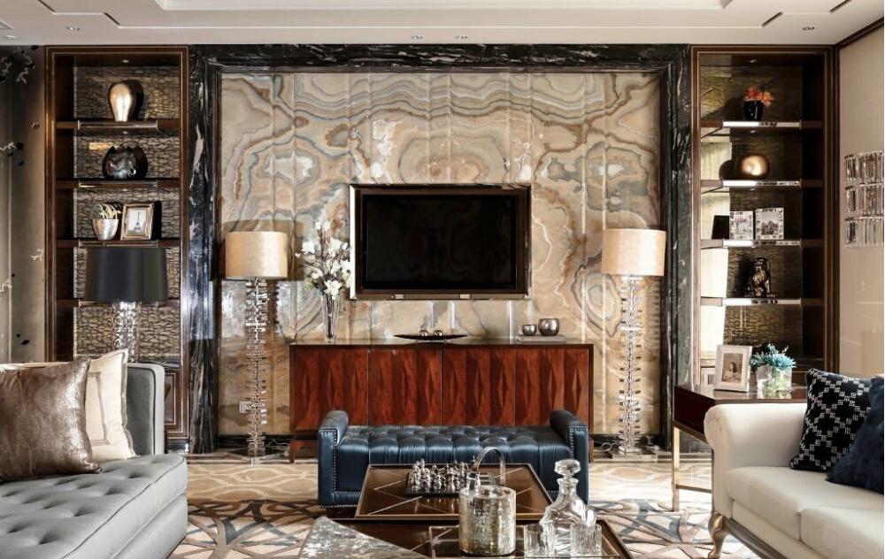 意大利式的室内设计不仅仅是奢侈,而是奢侈到了骨子里,在他们的房子里面没有一个地方是做的不够完美的。